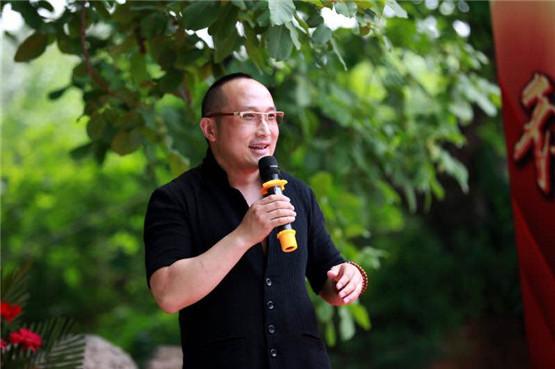 王志刚 德福兄弟影视文化与爱心同行