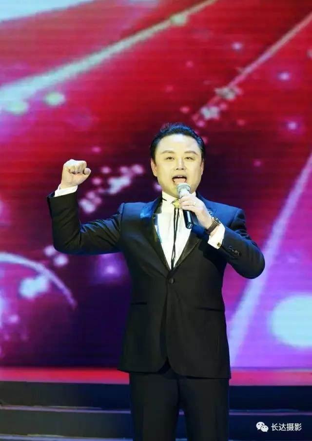 喜迎十九大·共筑中国梦,永远跟您走主题咏诵会,fm105献礼十九大最美