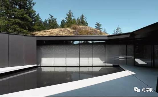 引入水元素,完美地柔和了整个建筑图片