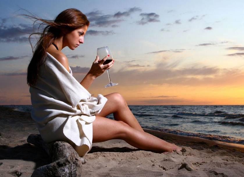 和女人操逼囹�a�L_女人饮酒是风情