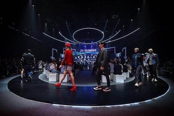 TOPLIFE奢侈品服务平台上线背后:京东时尚的远景-烽巢网