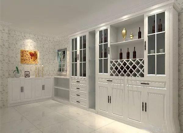 隔断式酒柜也是不错的选择,功能性比较强.