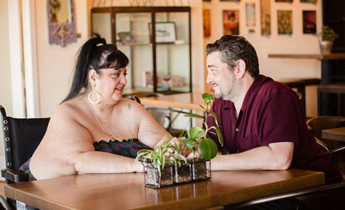 胖老女人性交视频_男友喜欢胖女人,美国离婚妈妈疯狂增肥,这不是爱情的