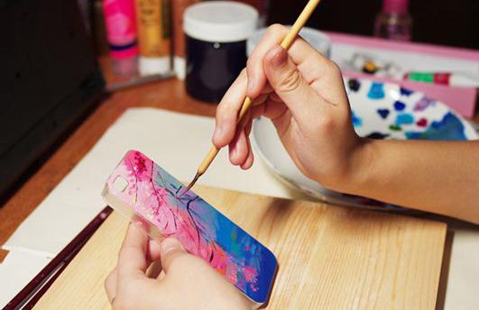 [文萃画材·丙烯]丙烯颜料diy手机壳,你不想要一个吗?