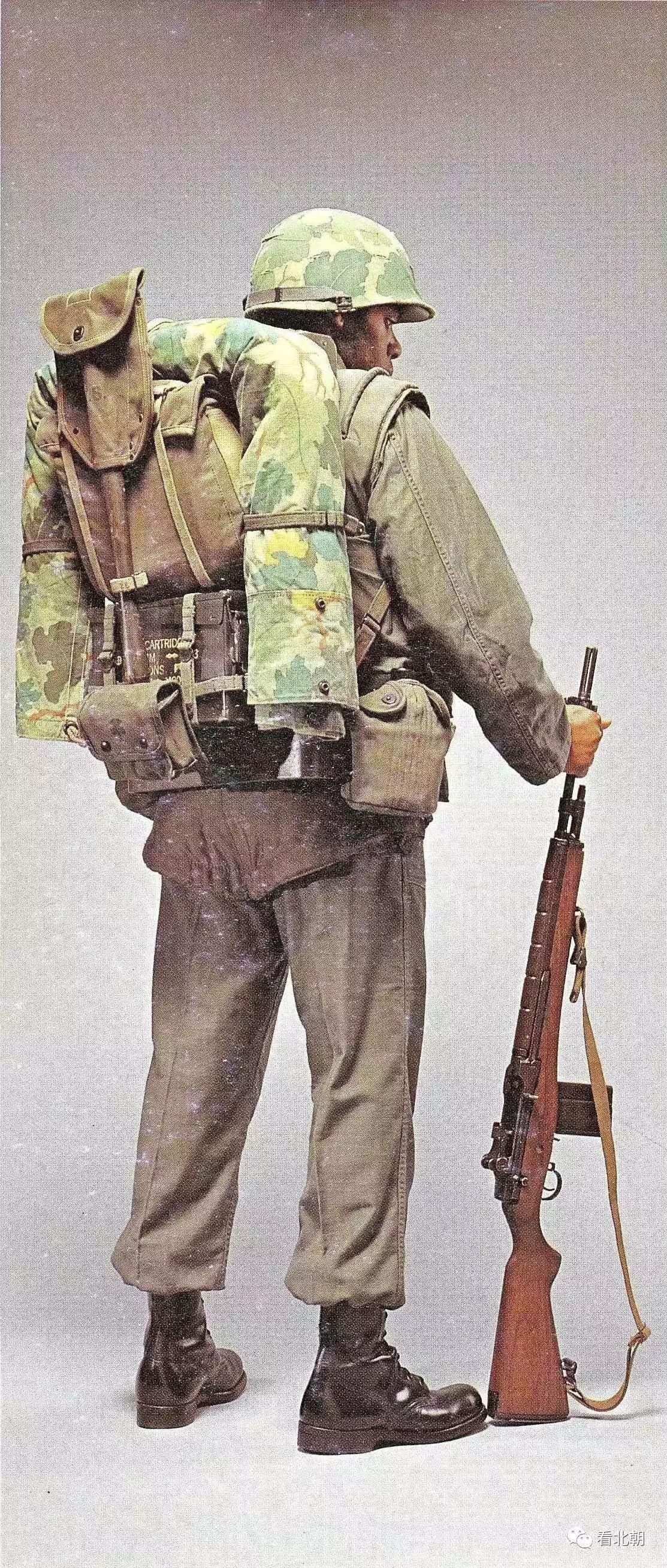 特种部队还用老式M2卡宾枪 越南战争早期美军军服与装备鉴赏