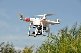 加拿大发生首起无人机撞机事件:所幸无人受伤