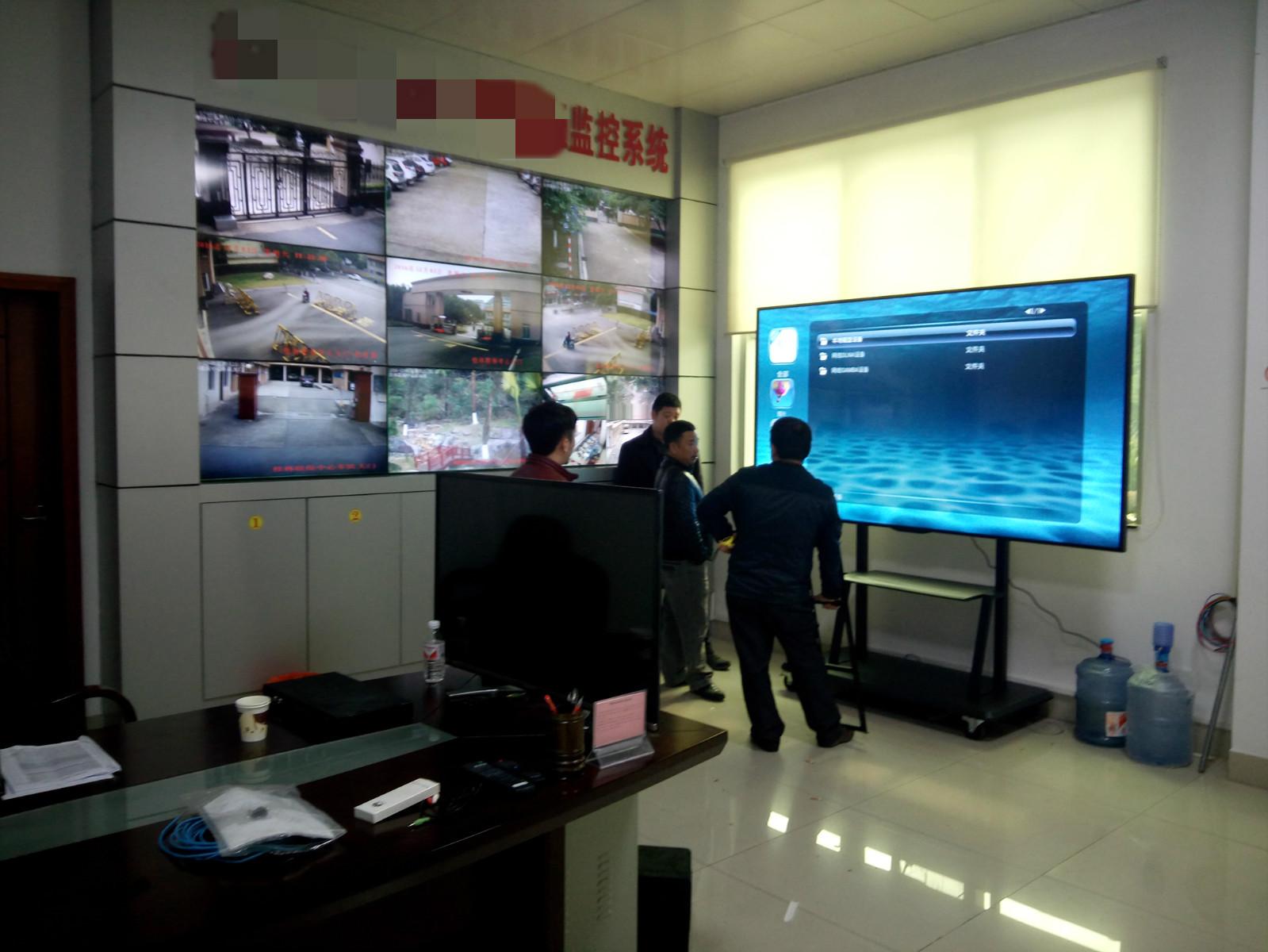 德恪98寸液晶显示器/触摸一体机服役于部队各应用场景
