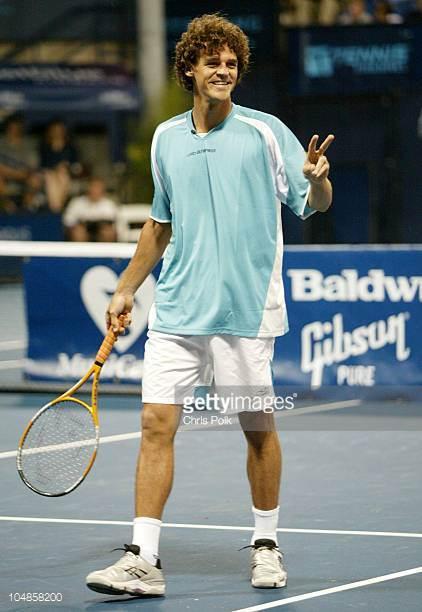 """80家美国媒体关注""""梅赛德斯.奔驰""""台球明星赛-鲍德温网球之夜美式钢琴的规则图片"""