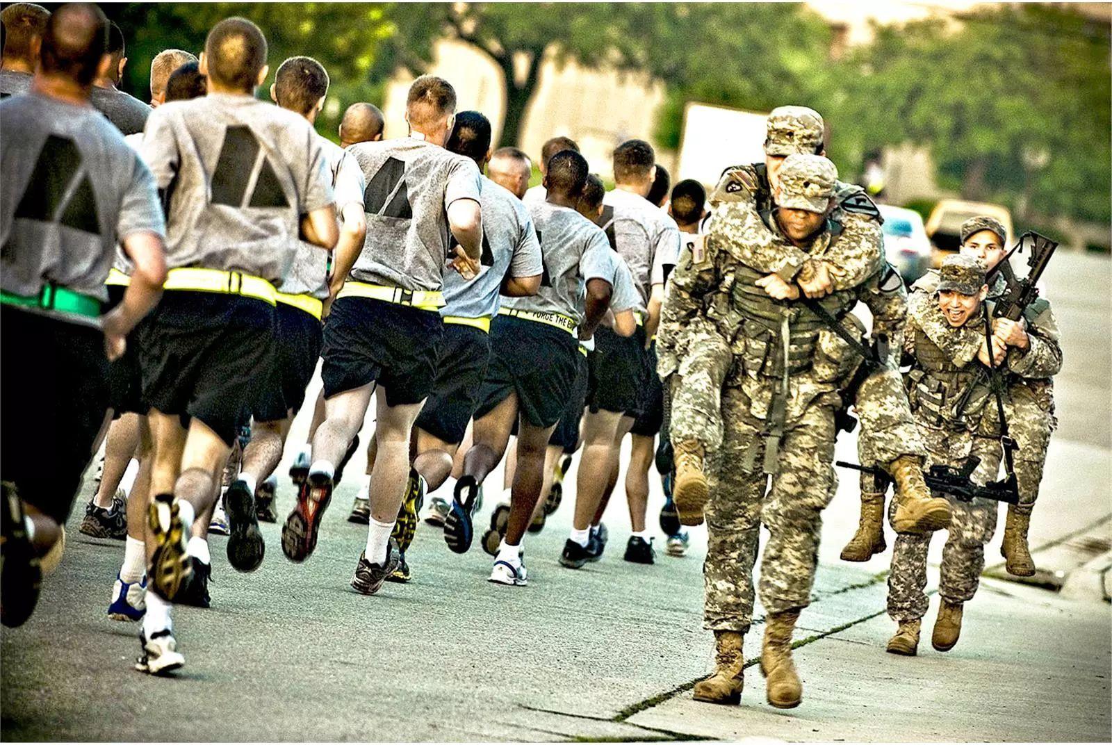 美国空军招兵_世界第一军事强国招兵难:年轻人体质差许多人不适合当兵
