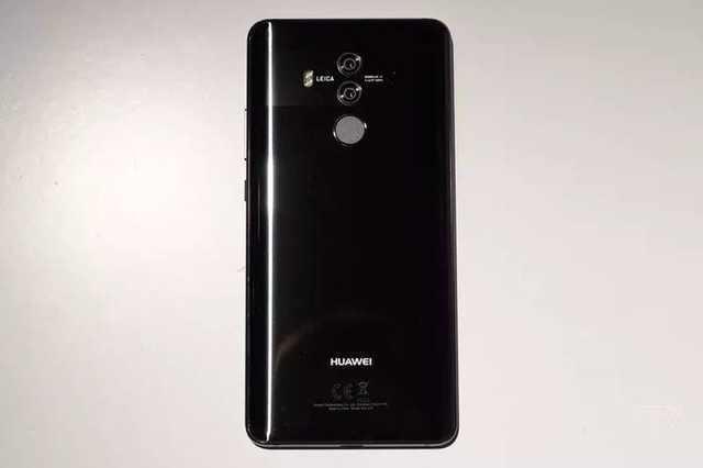 华为mate10保时捷版的电池容量为4000毫安,后置1200万像素 2000万像素图片