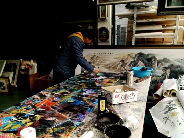左锋义艺术现象研究:艺术的价值在于持续不断的努力和感悟