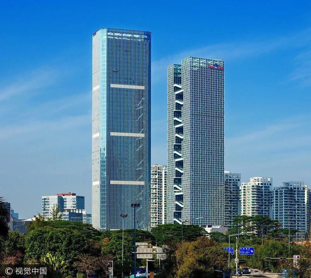 同样在深圳的百度总部百度国际大厦,分为东塔与西塔,东塔高达181.