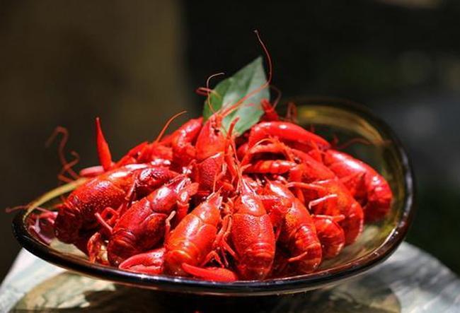 排名前几位的龙虾,自然美味,酒虾组合,你吃过其中那几种啊?