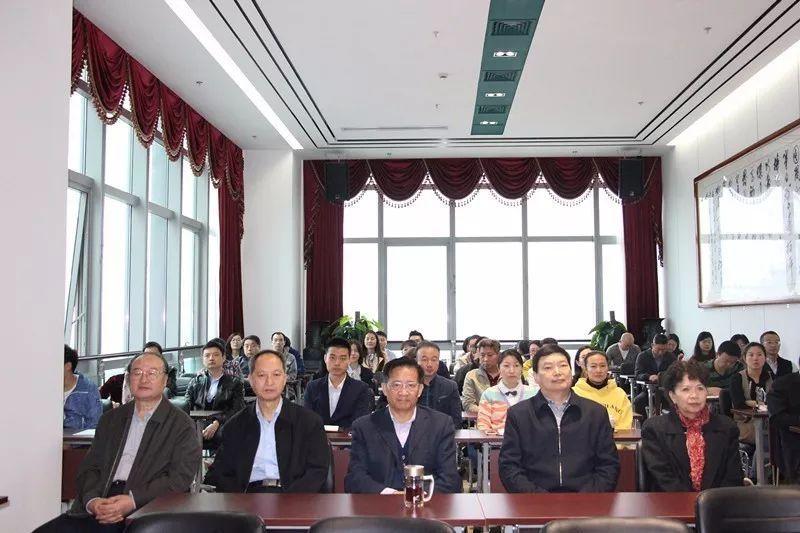 """中国医师协会组织观看""""十九大""""开幕式"""