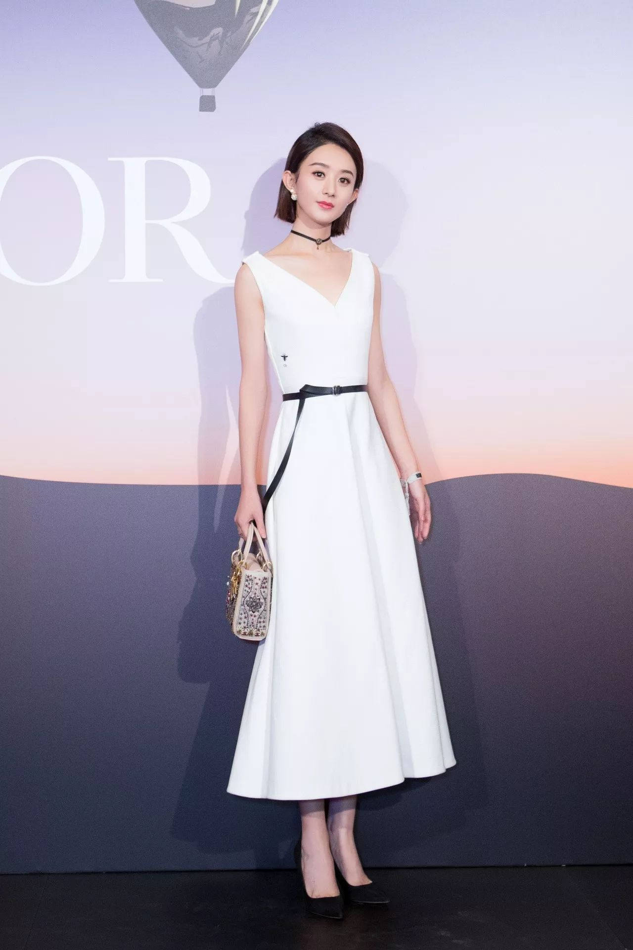 「DIOR SAUVAGE」穿越大洋彼岸降落上海,女星集体亮相迪奥全新旗舰店 | 看全球