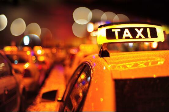 午夜出租车上,我们和几只亦庄真爱候鸟谈了谈