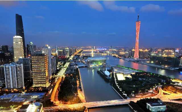 广州和深圳,哪个城市最适合生活工作 哪里的景点最好玩图片