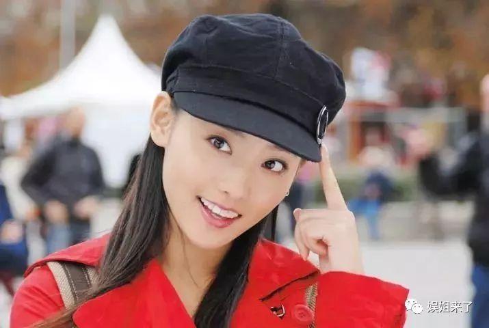 <b>她是最年轻琼瑶女郎,曾遭渣男劈腿,被高富帅三次求婚活成最幸福</b>