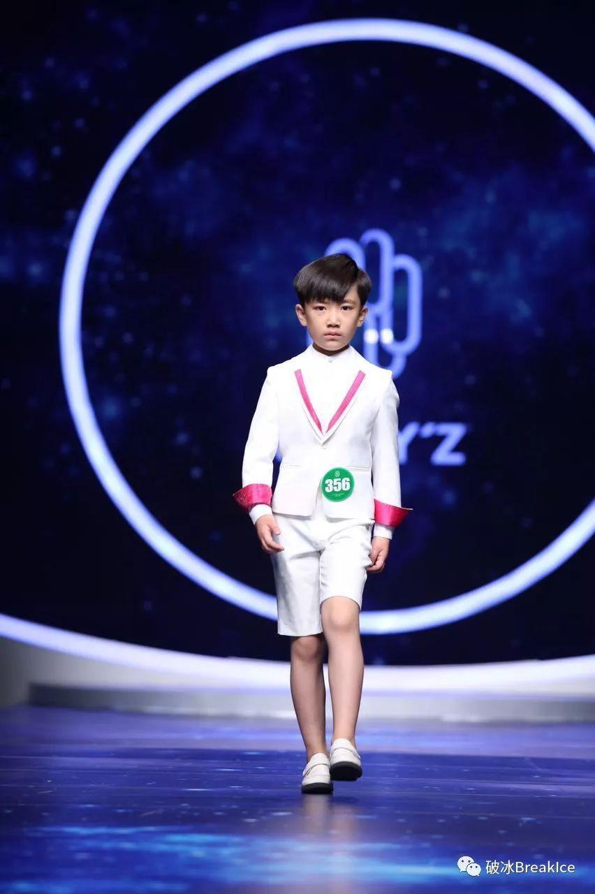 各全国少儿模特大赛冠军明星导师; ccac 少儿模特等级教师.
