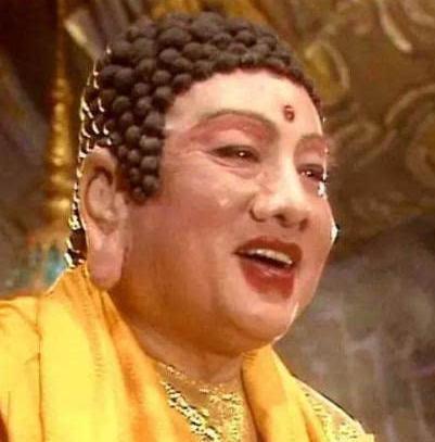 《西游记》里如来佛祖的扮演者,走红后时常有人登门图片