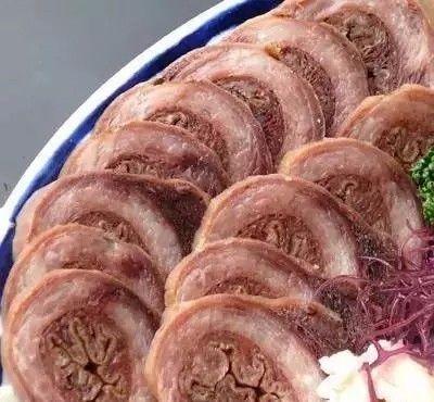 中国人吃狗肉,日本人吃鲸鱼肉的背后:相当涨姿势