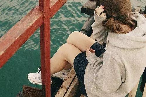 微信朋友圈带图片的伤感说说短语