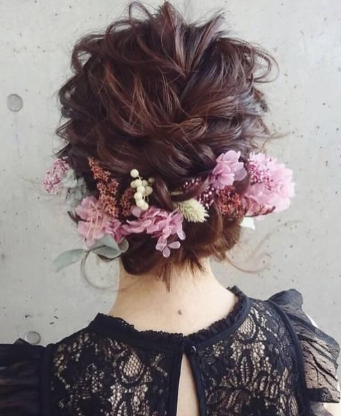 唯美的鲜花新娘发型背影杀,美得不像话!图片