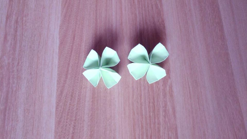立体四叶草的折法,一张纸折出简单的四叶草图解!