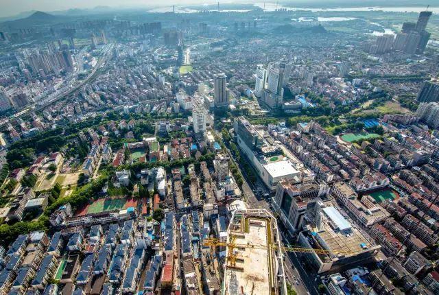 镇江经济gdp_瞄准 聚力 拉弦 各园区板块出实招谋实效求发展