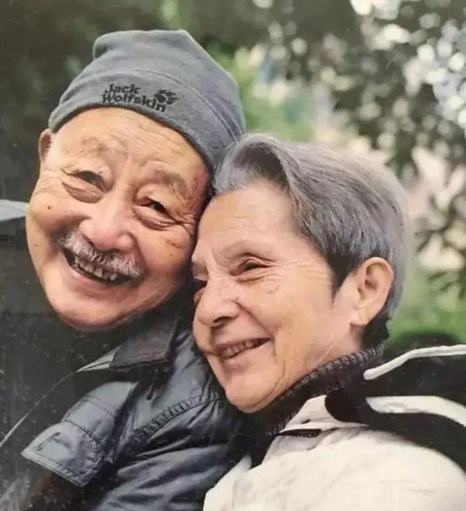 25岁相遇83岁结婚:当爱情纯粹到极致,只有死亡才是敌人