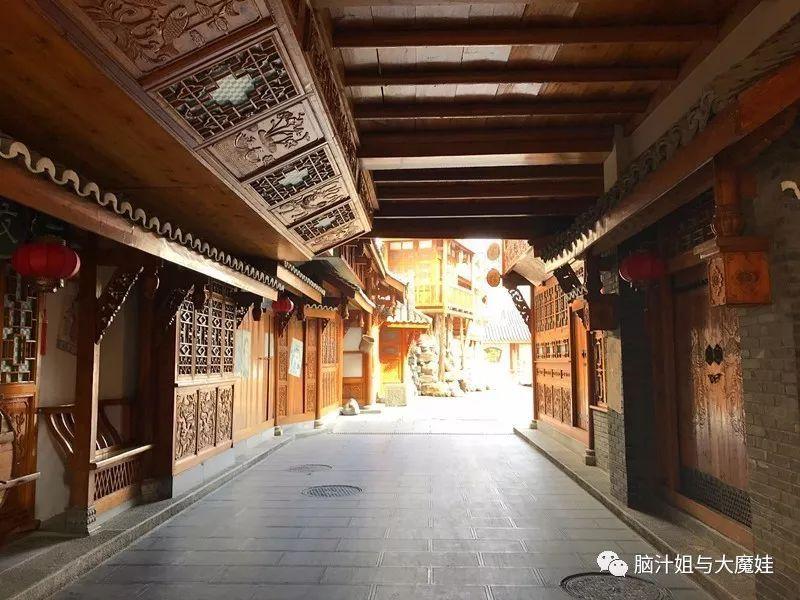 《唐人街探案2》王宝强 刘昊然 肖央,奇装异服亮相,辣眼睛!