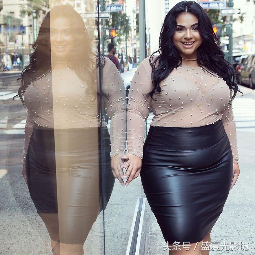 """""""超大号""""模特分享自己照片ps前后的对比,鼓励胖女孩也"""