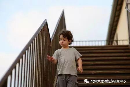 """坚守本分,不忘初心,OPPO连续三年成为""""中国最受尊敬企业"""""""