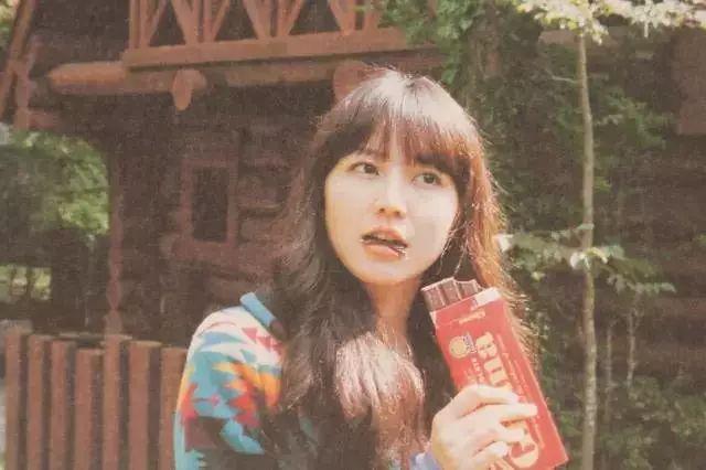 """徐佳莹出席活动,一张""""李湘""""脸看呆众人,连手指都粗了一圈,女神是放飞自我了么!"""