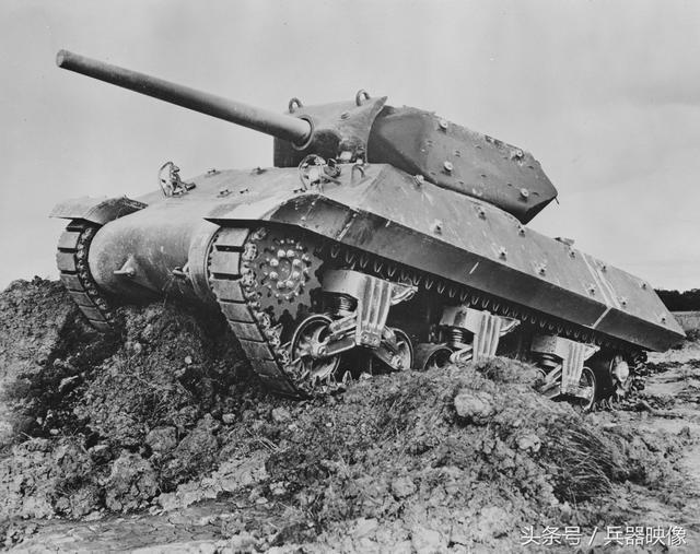 """二战美国反坦克炮_二战坦克 之 美国M10""""狼獾""""坦克歼击车:美军装备最多歼击坦克"""