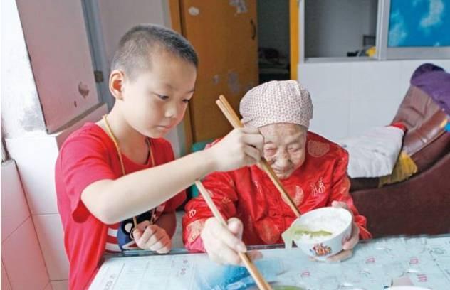 居住在美国的中国女孩:我住在黑人社区,我喜欢住在那里
