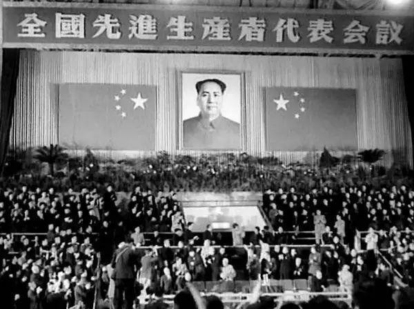 邓田 ,1930年生,东莞市石排镇水贝乡邓屋村人.