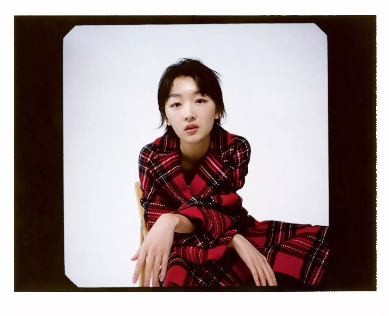 """李承铉戚薇被窝庆生!小女人的她戏里却是只""""努力的花瓶"""""""