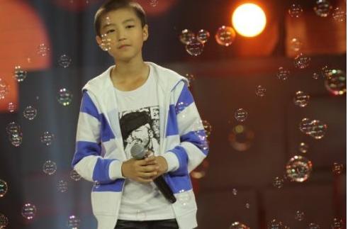 天才童声_张艺兴王俊凯等四位小鲜肉成名前参加选秀照曝光