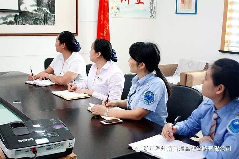 意媒:热鸟正与华夏协商解约 恢复自由身将转投帕尔马