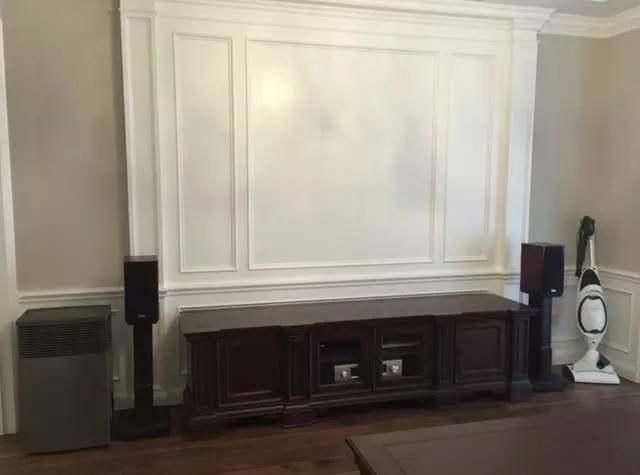电视背景墙,用石膏线做出来的线条感