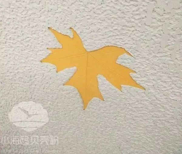 没错,小海鸥贝壳粉可以运用阴阳刻技术来装饰墙面,使得墙上的动植物看起来都栩栩如生,听说总监办公室里还有一张《清明上河图》也是用小海鸥贝壳粉并采用阴阳刻技术制作而成,这么宏大的工程想想都让人激动,改
