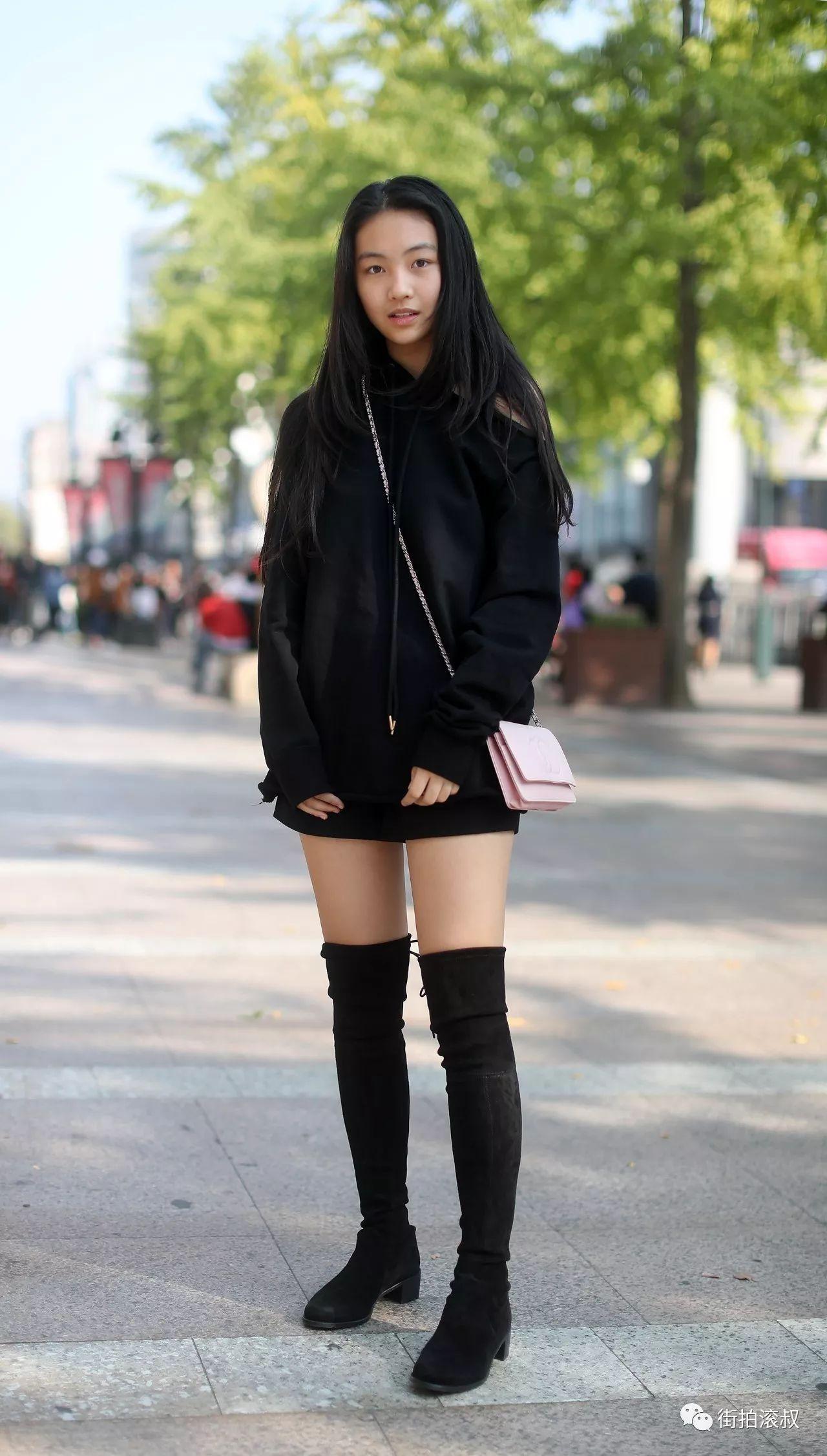 黑色长筒靴搭配_【滚叔街拍】10月28日,阳光那么好,一起来晒晒腿吧! 杭州 ...