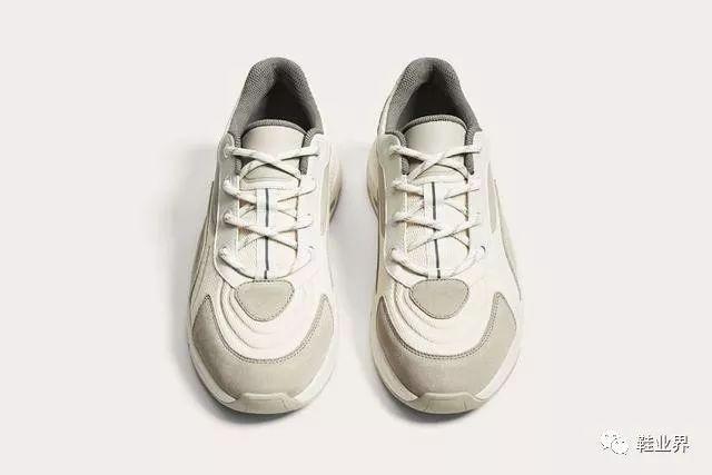 时尚 正文  相信大家在看到这款鞋的时候,都会联想起近期的话题之作图片