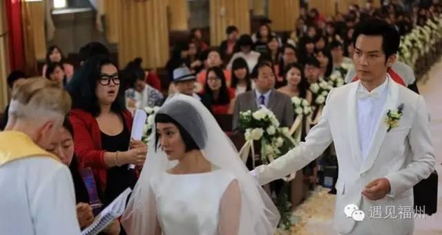 王源拍婚纱照_王源图片最新2021