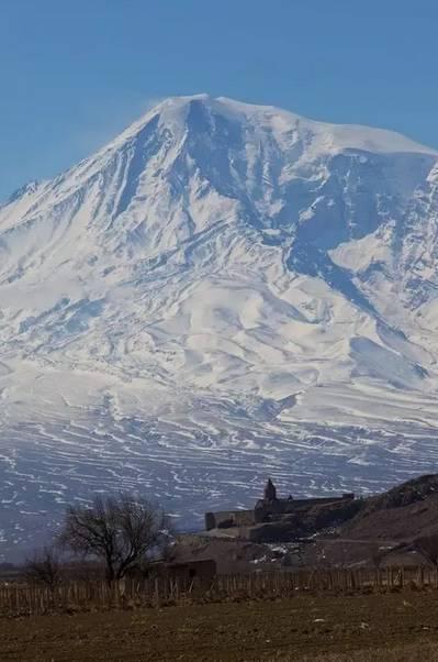△这座山在土耳其境内,却是亚美尼亚人的长城圣山腾翼c20r配件图片