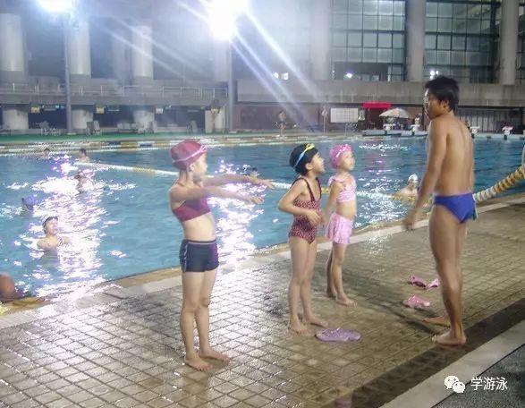 配合这几个技巧去游泳可以快速瘦身!