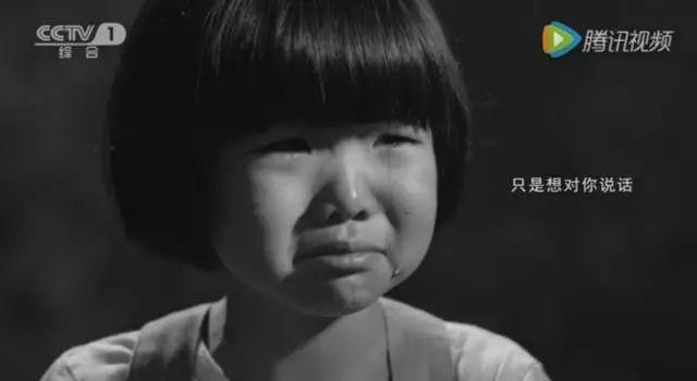 Angelababy签下00后混血小花李诗颖,酷似迪丽热巴!