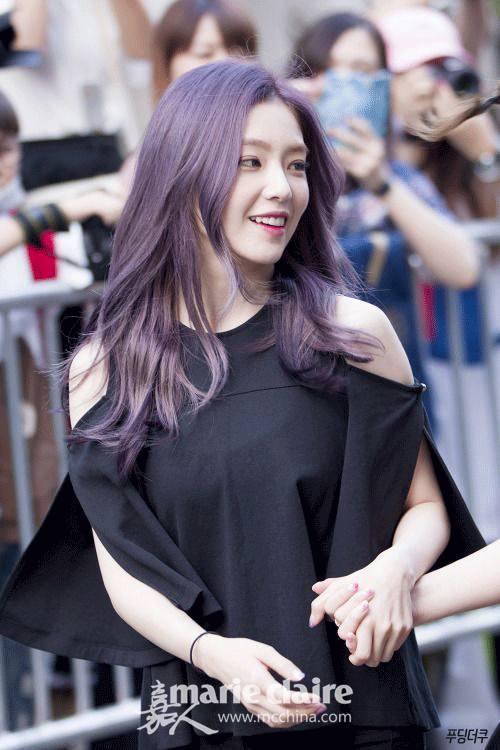 其实好多女星都尝试过紫色系的头发,杨丞琳的香芋味发色,小嘉手动点赞图片