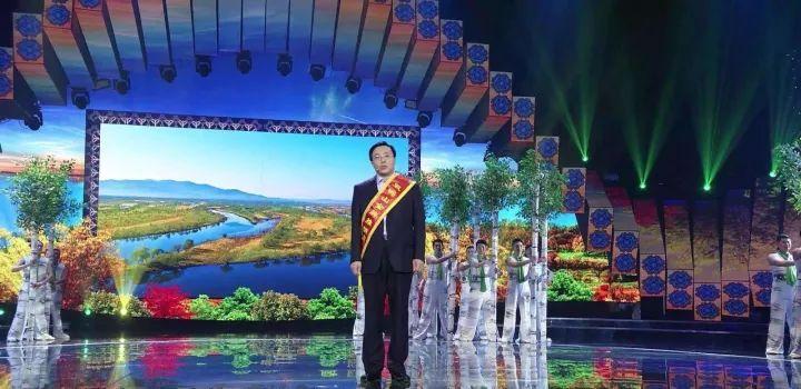 他是中国篮球的骄傲 易建联当选2017全球华人杰出青年!
